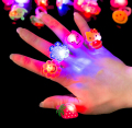 100pcs/lot Random Kids Toy Led LED Flashing Light Ring Blinking Party Soft Rave Glow Jelly Finger Rings