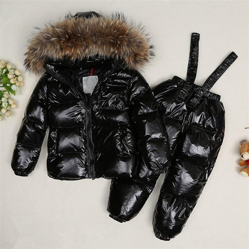 Зимние Детские енота меховым воротником куртки + брюки 2 шт./компл. Дети вниз Костюмы комплекты для мальчиков и девочек теплые лыжные комплек