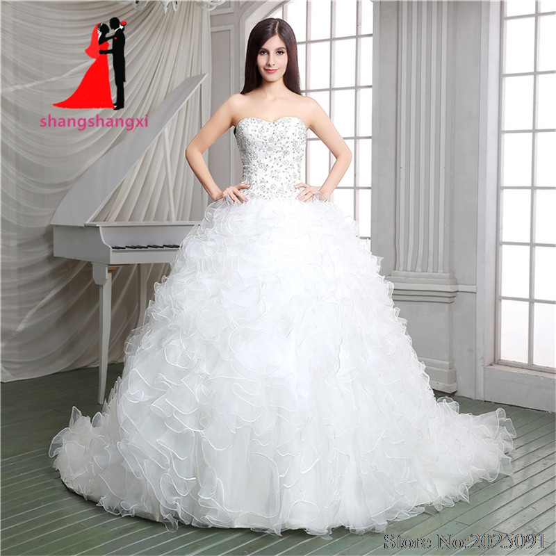 New Stock White Ball Gown Wedding Dresses 2017 Organza With Silver Embroidery Wedding Party Dresses Ruffles Vestido de noiva