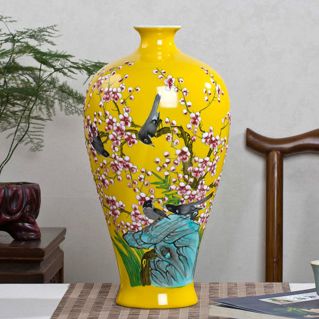 Jingdezhen Ceramic Flower Vase With Hand Painted Pastel Yellow