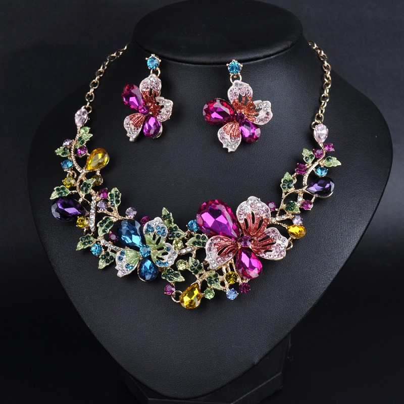 Купить с кэшбэком Fashion High Quality Crystal Necklace Exaggerated Design Charm Women Dance Party Earrings Jewelry Fine Gifts Jewelry Sets