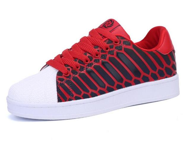 In the spring of 2017 the new woman LED luminous colorful recreational shoe, the night elves for women's shoes, shining shoes, w