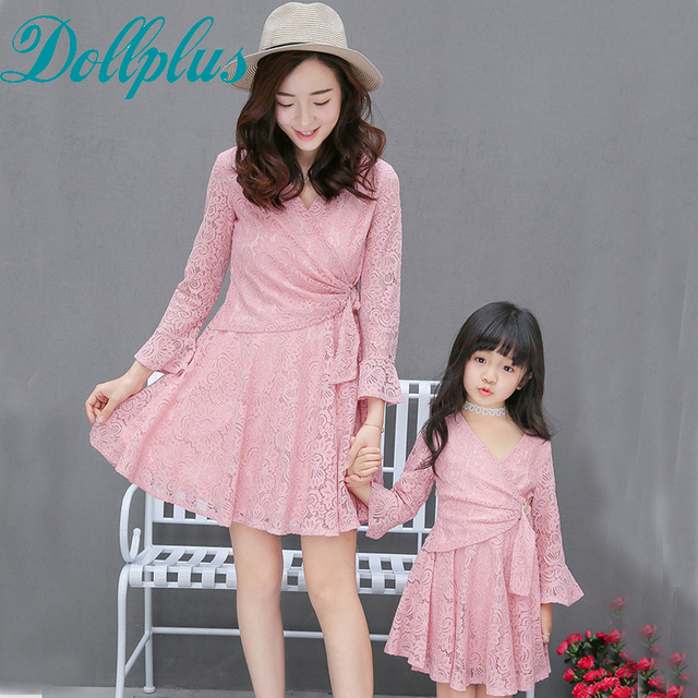 2017 mother daughter dresses matching lace crochet fashion summer mommy and me clothes hollow out mother daughter dresses
