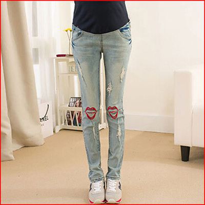 The new maternity jeans ultra elastic pants abdomen was thin pencil pants bound feet jeans knees lips pregnant woman