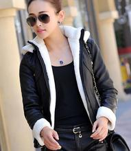 Шуба новая зимняя кожаная куртка плюс бархат теплый Корейский капюшоном мотоциклетная куртка повседневная женские меховые один кожаная куртка PC095
