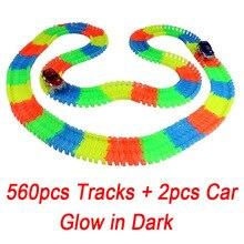 560 шт. трек + 2 автомобили Glow Racing светящиеся гоночной трассе изгиб Flex Электронные железнодорожные Glow гоночный автомобиль игрушка Roller coaster игрушка для малыша