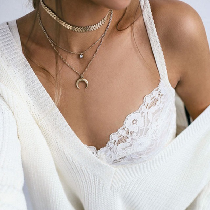Vintage Gold Color Horn Circle Pendant Necklace For Women Girl Bohemian Metal Crescent Layered Necklaces Collar in Choker Necklaces from Jewelry Accessories