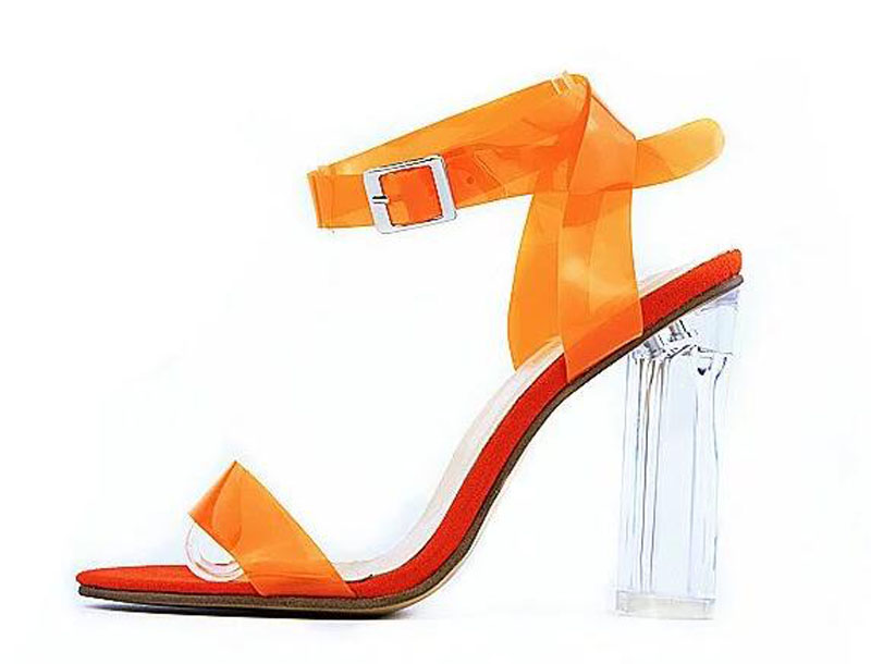 ФОТО Women New Fashion Plastic Ankle Strap Transparent Thick Heel Sandals Ladies Summer Candy Color High Heel Sandals Dress Shoes