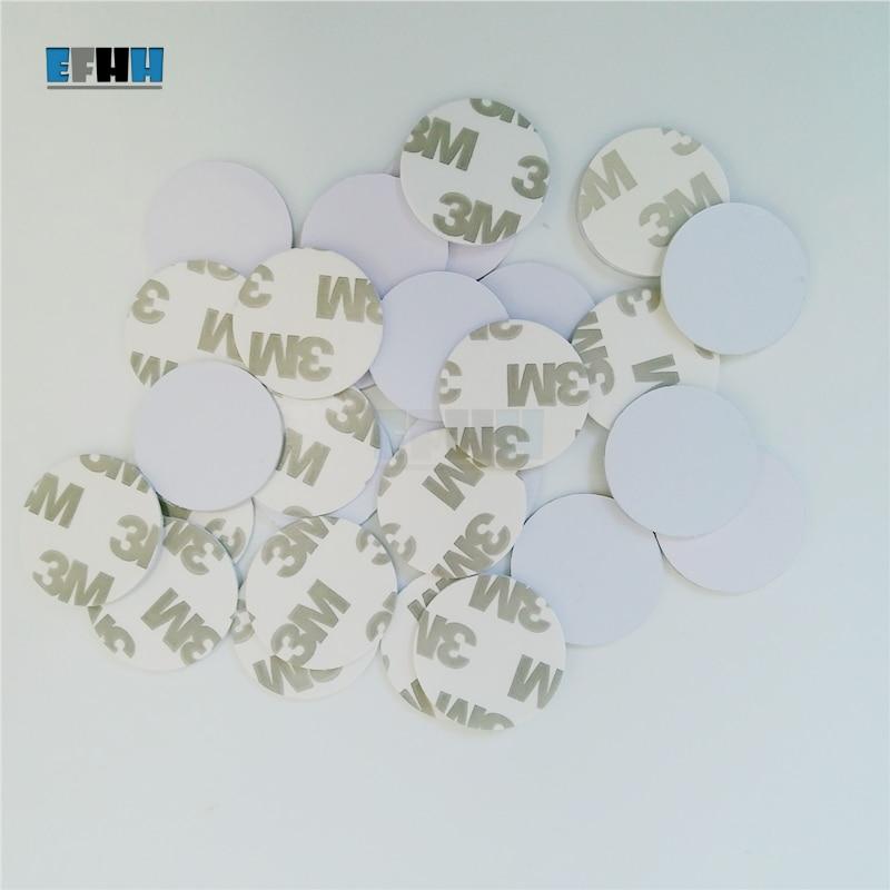 купить 125KHZ EM4305/EM4205 Rewritable RFID Coin Card With 3M Adhensive Sticker In Access Control Card (Diameter 25mm) по цене 37.4 рублей