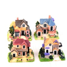 Mini Europe Small Villa Resin Ornament DIY Micro Landscape House For Restaurant Home Office Hotel Decoration Random Color