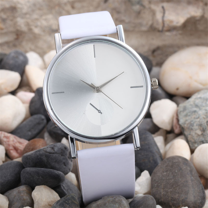 Fantastic 2017 White watch women Fashion Wearing Design Dial Leather Band Analog Quartz Wrist Watches   17Au 29 new fashion women retro digital dial leather band quartz analog wrist watch watches wholesale 7055