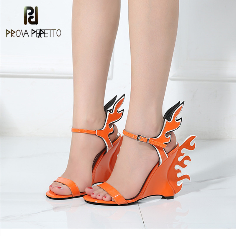 Prova prefetto Novelty Flame pattern Gladiator Sandals Women Ankle Strap Wedges Open Toes Candy Color Summer