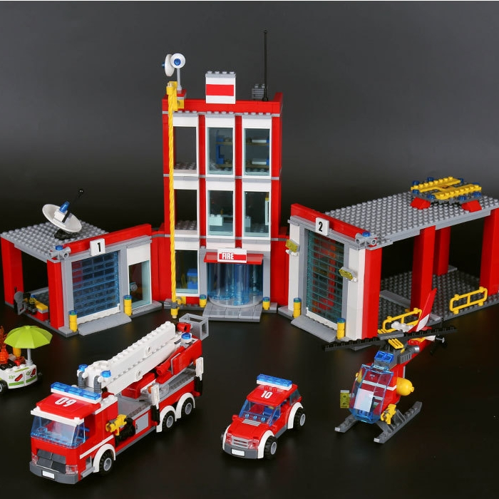 Lepin 02052 City Fire Station Command Center Truck Car Helicopter Building Block Toys For Children Christmas Gift 60110 lepin 02052 genuine 1029pcs city series the fire station set 60110 building blocks bricks educational toys christmas gift model