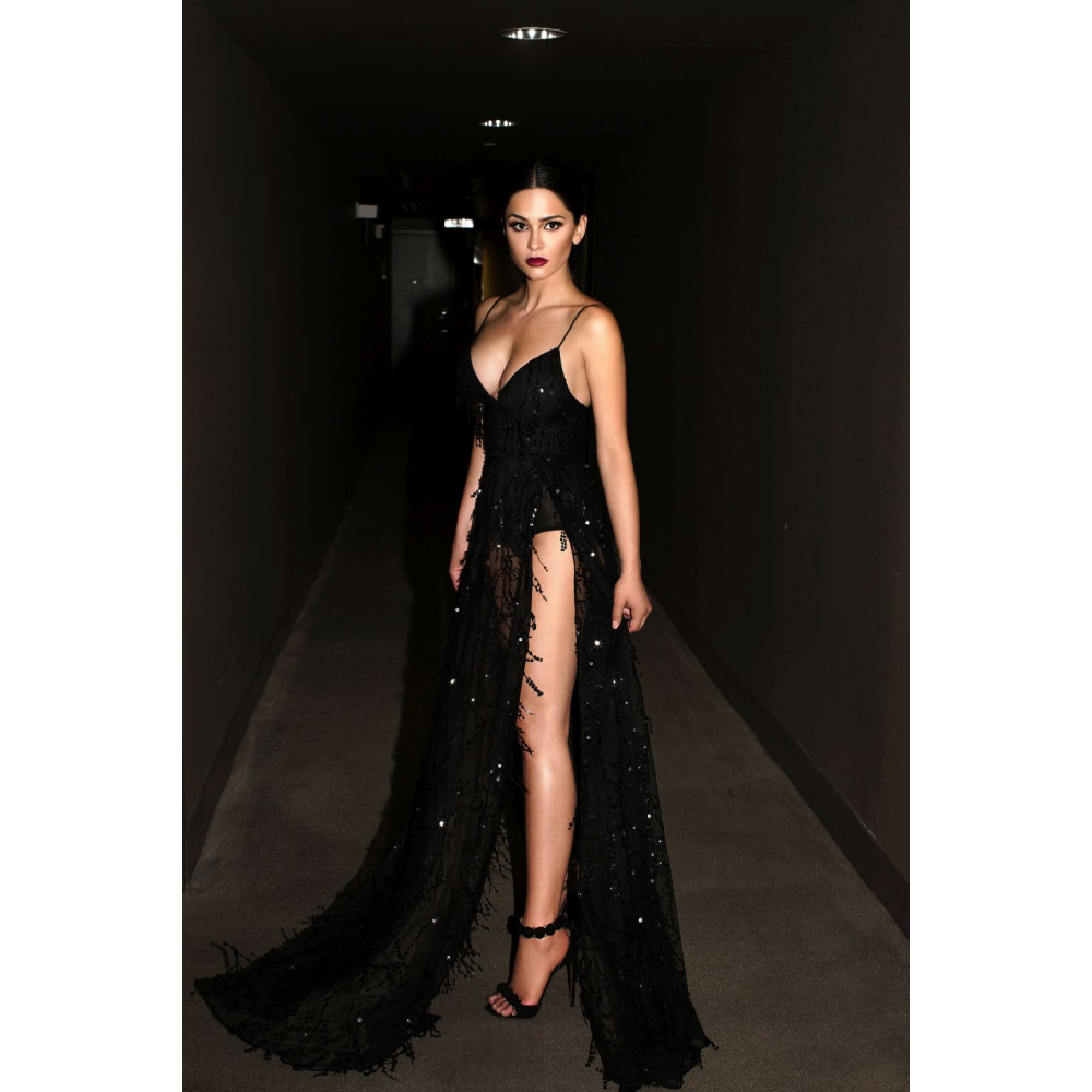 Free Shipping 2018 Sexy Gold Lace Halter Deep V-neck Long Party Dress Sequined Spaghetti Strap Two Split Sequin Maxi Dresses