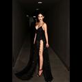 O envio gratuito de 2016 sexy lace ouro halter profundo decote em v party dress lantejoulas spaghetti strap dois divisão vestidos de lantejoulas maxi