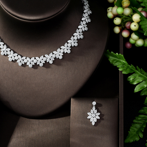 Image 3 - HIBRIDE Hot Selling Elegant Noble Clear Bright CZ Leaf Pendant White Color Charm Choker Necklace for Bridal Wedding N 1008