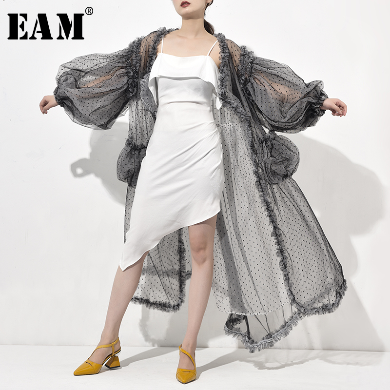 [EAM] 2019 New Spring Autumn V-collar Long Sleeve Black Dot Printed Mesh Long Big Size Windbreaker Women   Trench   Fashion WE9230