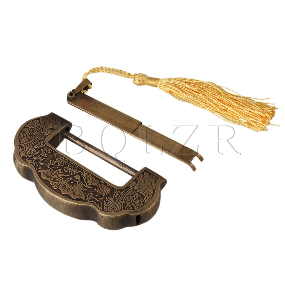 BQLZR Chinese Old Style Carved Horizontal Padlock Lucky Lock and Key Spacing 5cm old chinese 15g