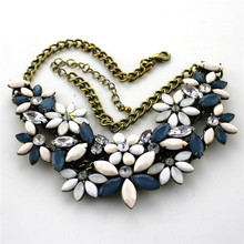 Free shipping ladies new jewelry Temperament flower retro antique copper woman pendant necklace short necklace Accessories