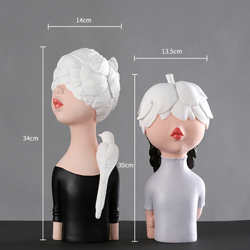 Nordic Style Resin Youny Girl Art Figurine for Wedding Gift Home Decoration Hand Painted Dolls Christmas Gift