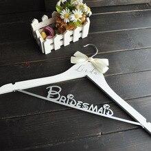 Персонализированные Свадебные деревянные вешалки для невесты, вешалки для невесты с бантом, вечерние вешалки для свадебного платья