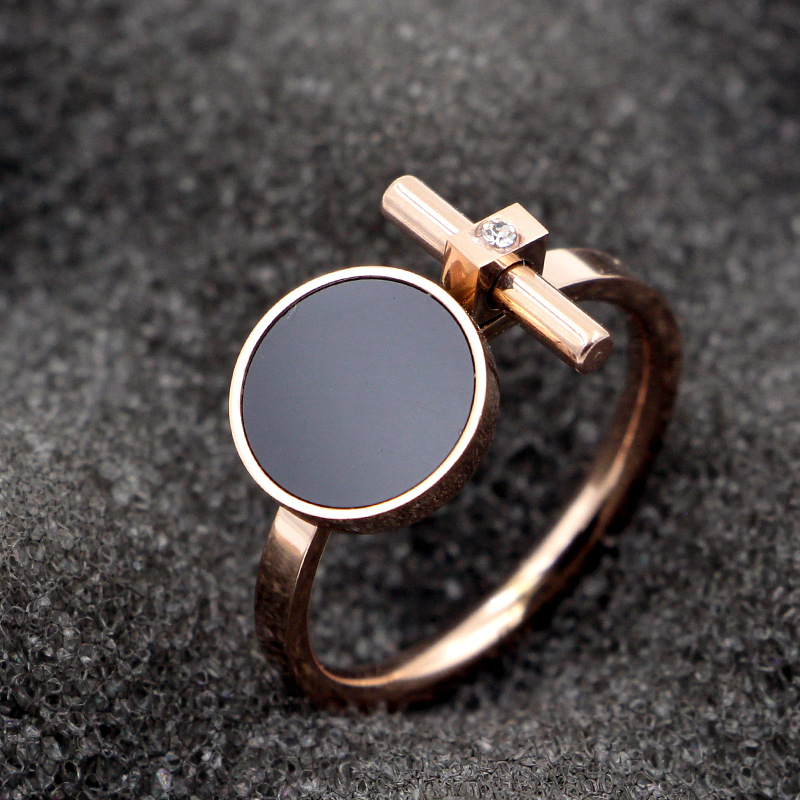 Fashion Crystal Love Black Round Pole T Rings Women Rose