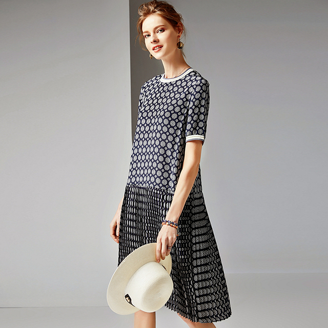 100% Silk Dress Women Printed Pleated Design O Neck Short Sleeve Dropped Waist Grade Fabric Casual Dress Summer New Fashion 2019
