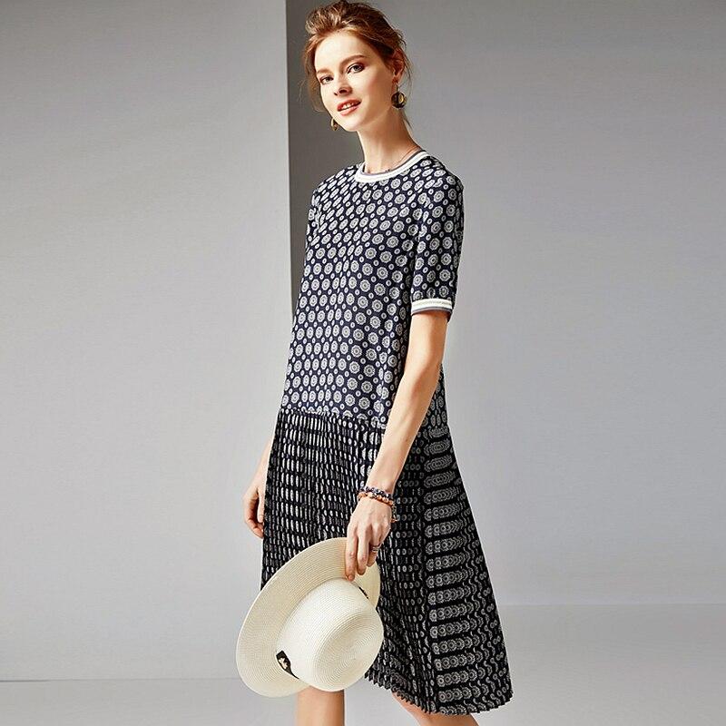100% sukienka jedwabna kobiety drukowane plisowana projekt O Neck krótki rękaw wypada talii jakości tkaniny sukienka na co dzień lato nowy mody 2019 w Suknie od Odzież damska na  Grupa 1