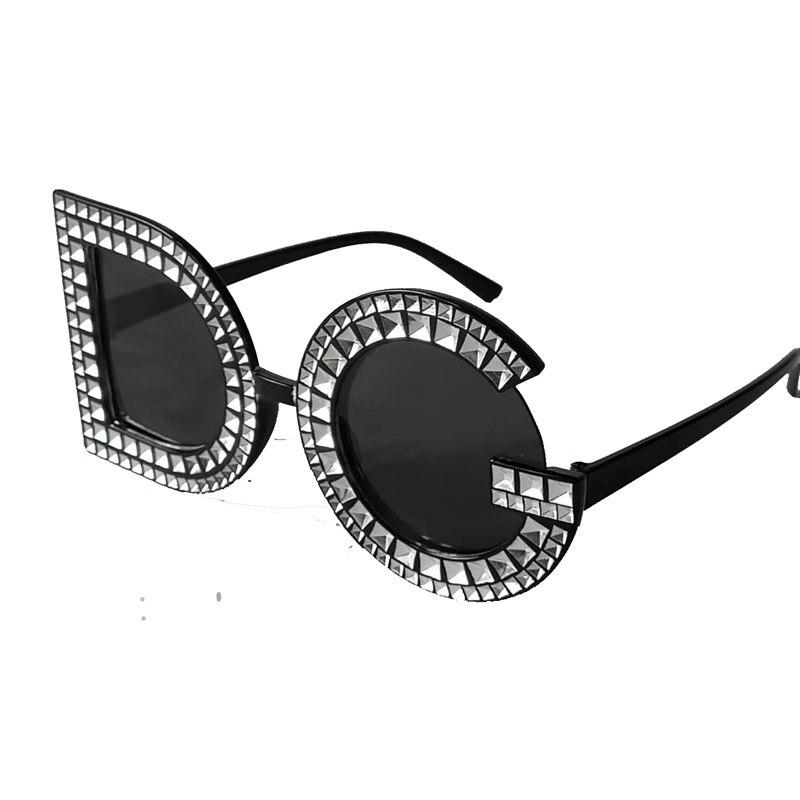 b84a9001e9 Nuevas gafas de sol Retro 2019 gafas de sol redondas de diamante para  hombres y mujeres con letras de cristal DG rojo amarillo o rosa para mujer  gafas De ...