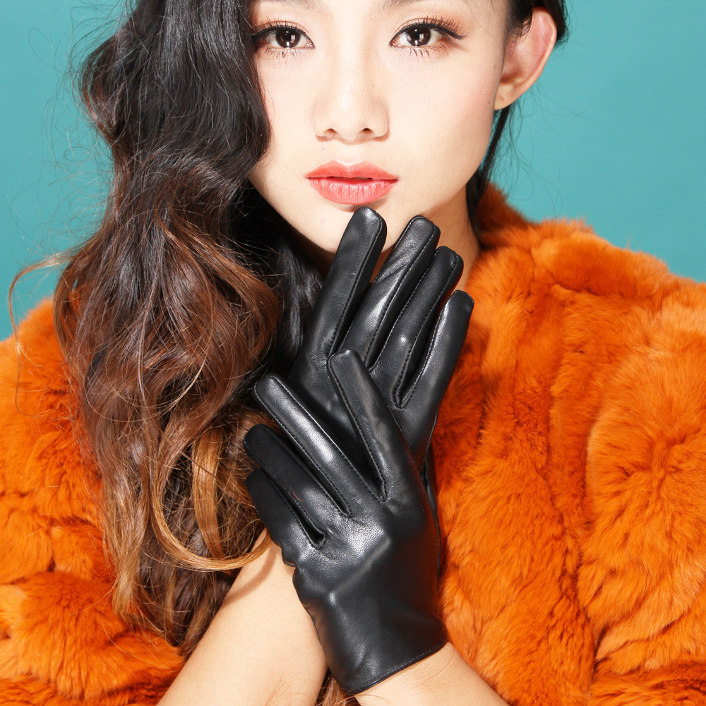 Driving gloves girl - 2016 Autumn Winter Lady Silk Lining Fashion Christmas Gift Street Classic Supple Nappa Leather Driving Gloves