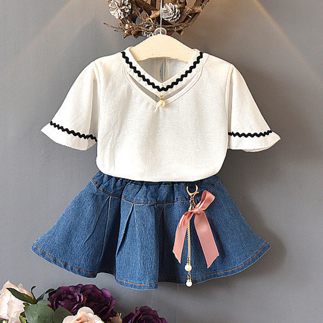 f63ba76fb0679c 2018 New boutique Children s Clothing Sets Baby Girls T shirts + Denim  Skirts Suits Kids Kids 2pcs beading bow outfits