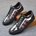 2017 Hombres de Los Holgazanes de impresión de la tela escocesa Atan Para Arriba zapatos de lona pisos Transpirable zapatos de conducción ocasionales mocasines de Marca Zapatos Planos de tamaño 39-44
