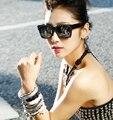 NEW Chegou Óculos de Sol Das Senhoras Do Punk Rebite Cravejado Óculos Famosos Luxury Cat Eye Sunglasses Mulheres Marca Designer Óculos de Sol