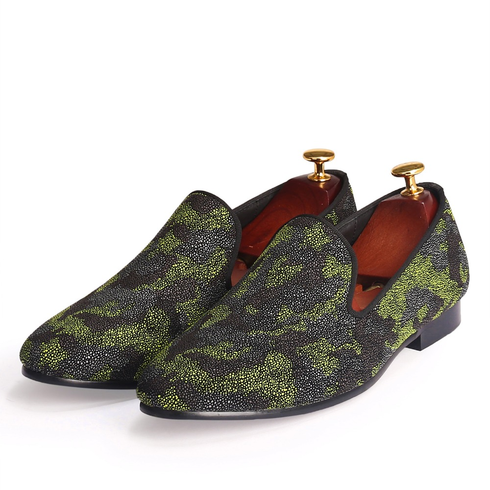 Здесь продается  Men Shoes Camouflage Loafers Pearl Leather Flats Shoes Red Bottom Dress Shoes Christmas Sale  Обувь