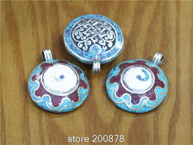 Tbp720 tibetan old conch shell round amulet pendantsendless knots tbp720 tibetan old conch shell round amulet pendantsendless knots nepal vintage pendants wholesale tibet aloadofball Image collections