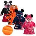 JW-026 Retail 2017 venta caliente niños pijamas albornoces albornoz nuevo llegan las muchachas de la historieta embroma la ropa el envío libre
