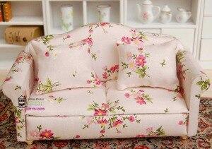 """Image 3 - 5.24 """"Dollhouse minyatür 1:12 oturma odası bebek mobilya kanepe seti 4 kanepe küçük kırmızı küçük çiçek tarzı"""