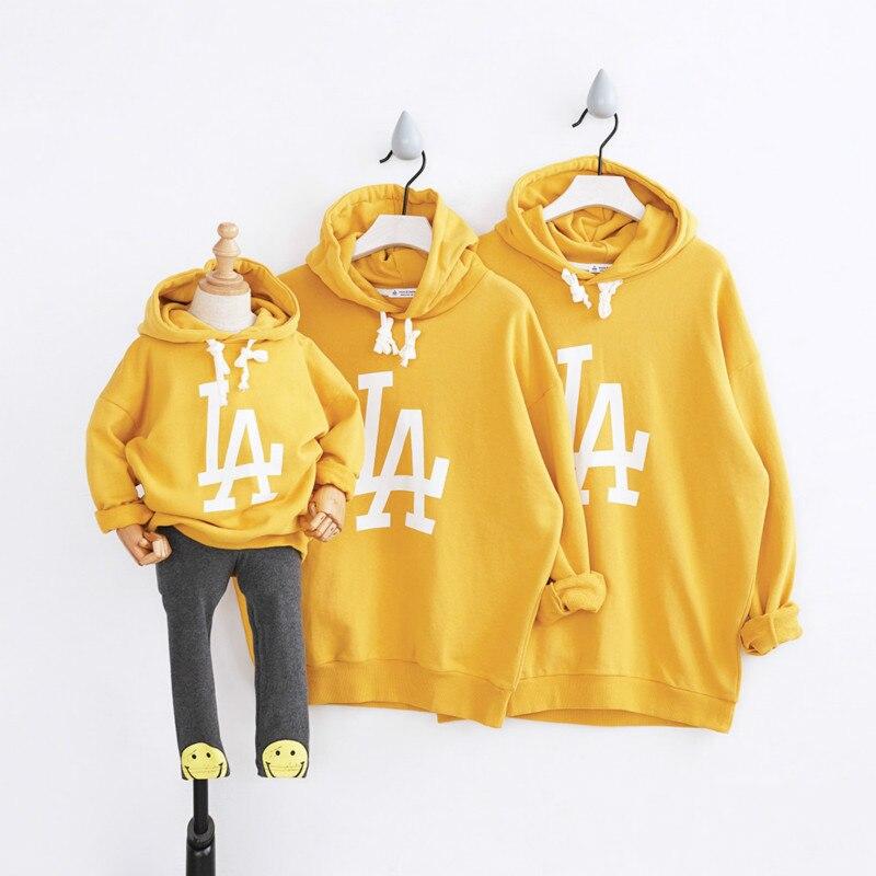 Parents et enfants vêtements automne bébé fille garçon mère et père chandail mode lettres enfants vêtements famille correspondant tenues