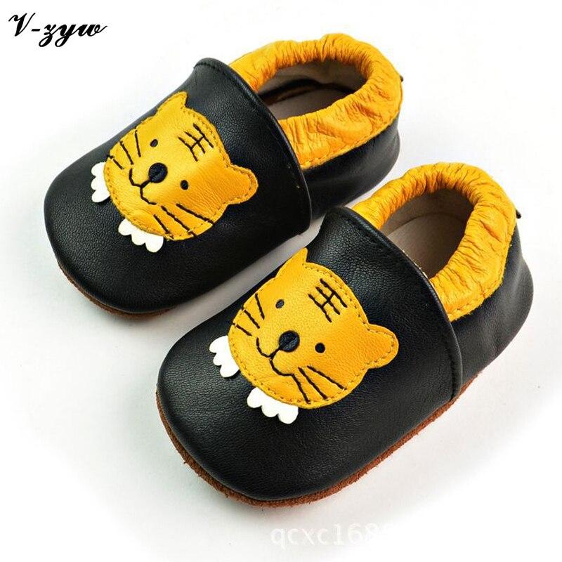 87be434fa Детские Впервые Ходунки Весна Осень Дышащие Мягкие Кожаные Детские Ботинки  Ботинки Младенца Мальчики Девочки Детская Обувь Тапочки GZ027 купить на