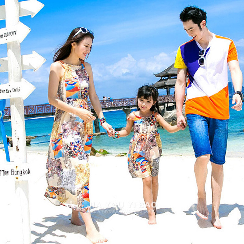 Me  Little Me Family Look !  Matching Mother Daughter Dresses Bohemian Sleeveless Flower Printing Beach Maxi Dress and Father Son T-shirts