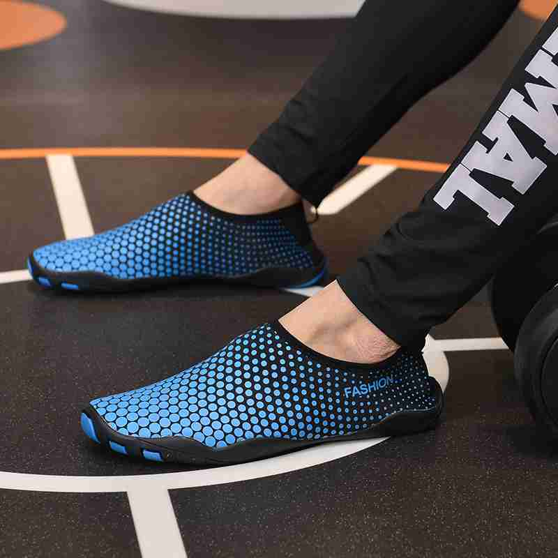 Summer Water Shoes Men Beach Sandals Upstream Aqua Shoes Sneakers Men Quick Dry sea shoes Slippers Swimming Aqua Socks in Upstream Shoes from Sports Entertainment