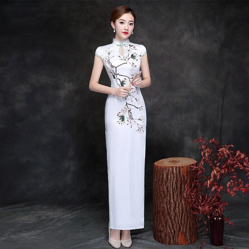 2018 Vintage Cheongsam White Long Qipao Dresses Women Chinese Traditional Clothing Sexy Oriental Dress Retro Dressing