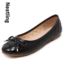 Size 35-40 New 2016 Fashion Autumn Flats Women Patent Leather Loafers Sweet Bowtie Round Toe Women Flat Casual Shoes D30