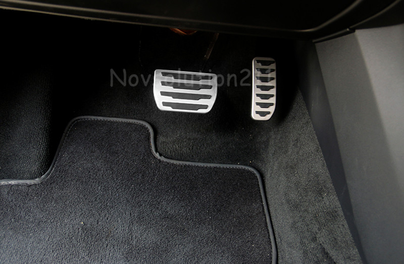 2pcs Interior Foot Switch Guard Pedal Car pedals foot pedal Cover Trim For Range Rover Evoque 2011 2012 2013 2014 2015 2016 built guard bump guard plate after the pedal steel trunk for 2011 2012 2013 2014 vw volkswagen polo hatchback