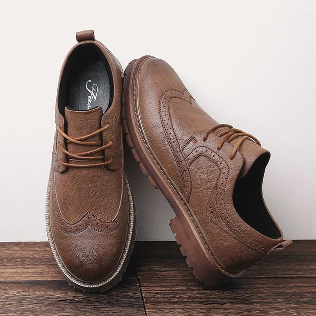 ฤดูใบไม้ร่วงใหม่ผู้ชายMartensรองเท้าBrogueรองเท้าผู้ชายรองเท้าหนังธุรกิจสบายๆรองเท้าผ้าใบ