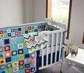 9 Peças Conjunto Fundamento Do Bebê Bordado Colorido Tetris incluem Colcha Colchão Amortecedor Tampa Saia da Cama Cobertores Saco de Fraldas