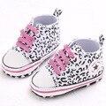 Nuevo Bebé de la manera zapatos para caminar zapatos de bebé suave suela de lona resbalón-en los zapatos niños primeros caminante del bebé muchachas de los muchachos calzado zapatillas de Leopardo
