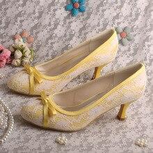 Wedopus MW356ปิดนิ้วเท้ารองเท้าสีเหลืองสำหรับผู้หญิงแต่งงานส้นเท้ากลาง