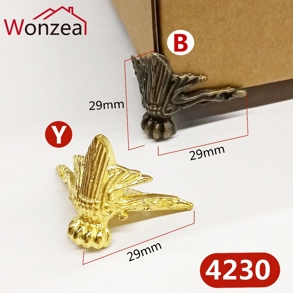 4pcs/Lot 40x29mm Zinc Alloy Foot Antique Golden Wood Box Feet Leg Corner Protector Triangle Carved Decorative Bracket For Box