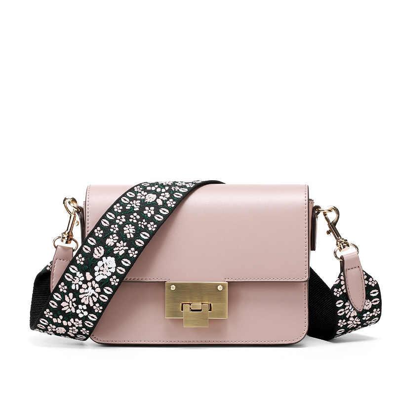 55ac5bf506e LACATTURA Luxury Small Handbags Women Flap Shoulder Bag Designer Clutch  Fashion Purse Crossbody Bags for Lady Flower Woven Strap